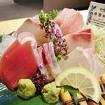 近畿大学水産研究所 - 近大マグロと選抜鮮魚のお造り6点盛り