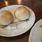 67494980 - ランチのパン