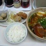 雷文 - お昼のサービス(ラーメン・ライス・おかず) 650円