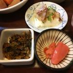 天神 わっぱ定食堂 - 辛い高菜、明太子