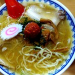 龍上海 - 料理写真:赤湯からみそラーメン830円