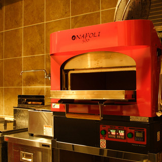 石窯で焼き上げる薫り高い絶品ピッツァをお試し下さい!