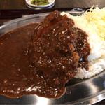 紅とん - 厚切りカツカレー定食 1000円。