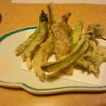 67517120 - 春野菜の天ぷら