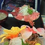 みなと市場 小松鮪専門店 - 「三種赤身丼」