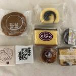 柴田モナカ本舗 - 料理写真:三笠、モナカ、カステラ饅頭、チョコ饅頭、栗饅頭、カステラ、フルーツケーキ