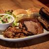 SMOKEHOUSE - 料理写真:BBQコンボ(プルドポーク、ふもと赤鶏骨付きもも、ポークスペアリブ、ブリスケット)