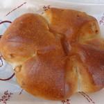 ハーベスト - 料理写真:クルミパン
