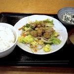 クレヨン - 日替りの鶏肉のプルコギ風定食です