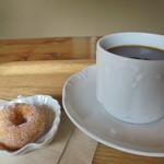 cafe ネンリン - コーヒーとおまけの小さなドーナツ