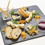 ヨーロッパからの空輸チーズ盛り合わせ