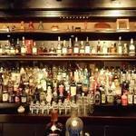 バー アルシェ - ズラリっと並んだお酒が圧巻!