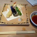 青ゆず 寅 - 揚物 サーモンと海老の天ぷら