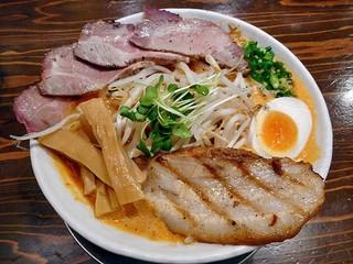 麺作 赤シャモジ 新潟東店 - あわシャモジ・特製濃熟辛味噌らーめん(大盛り)