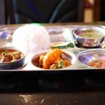 ニュームスタング - NEPALI KHANA SET