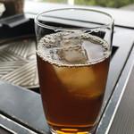 ラムダイニング大倉山 - クーポンでサービスしてもらった烏龍茶