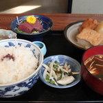 大文字 - 料理写真:日替わり(おでんとマグロ刺身)定食 900円