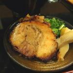 つけ麺専門店 二代目YUTAKA - つめめんの付け合せ