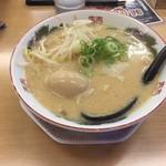 博多金龍 - 味玉ラーメン(490円)