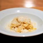 ロマンティコ - 卵黄で打った「タヤリン」  にんにくと唐辛子、少しのバター
