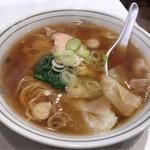 ラッキー飯店 - ワンタン麺