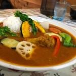 小林カレー - チキンカレー大辛 野菜トッピング