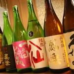 栞 - 日本酒と焼酎の多さが自慢です♡