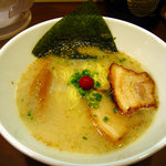 6759144 - 豚骨塩ラーメン(650円)