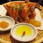 丸鶏 るいすけ - 丸鶏素揚げ