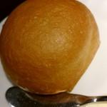 厨 - 定番さくさく丸形フランスパン