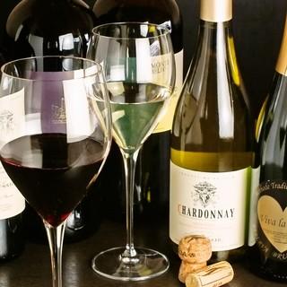 オーナー厳選のワインと欧風料理のマリアージュを愉しむ◎