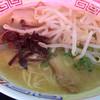 黒門屋ラーメン - 料理写真:塩豚骨らーめん+もやし(850円)
