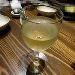 どでん舌 - 途中から白ワインにしました