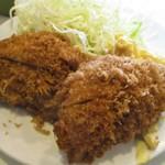 とん金 - ヒレカツ定食(アップ)