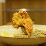 中村麺兵衛 - 十割鶏から天ぶっかけ蕎麦@税込630円:高さ出てます