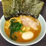 武蔵家 - 料理写真:ラーメン 650円 半熟味玉 100円