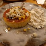 MARFA CAFE - 焼きとうもろこしパンケーキとハニーゴルゴンゾーラソースのシングル