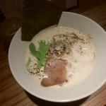 中華そば鷸 - 鶏豚(トリトン)出汁ラーメン