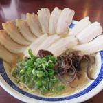 拉麺 空海 - チャーシューメン830円。