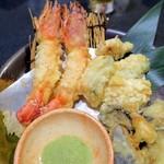 67613034 - 海老と旬野菜の天ぷら