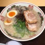 博多だるま - ラーメン+煮玉子