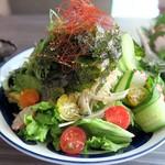 薩摩地鶏専門店 地鶏や 植むら - 京産九条葱と玉葱のチョレギサラダ¥790
