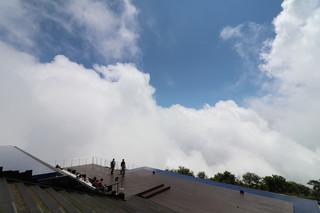 びわ湖テラス - 少しずつ霧と雲が減っていきます☆