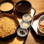 ぎおん三条 - 京風つけ麺、 こだわり麺 ツルツルの食感と鰹出汁 白味噌出汁 両方楽しめるのが、気に入りました