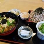 信州そば久保田 - 親子丼と手打ちざるそばのセット・蕎麦屋の出汁が美味しいよ♪ざるそばの量もめちゃあるがね♡