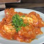 中華料理 旬 - この日の日替わり定食のおかずは鶏のチリソース炒めです。  うれしいことにご飯はお替りかできましたよ。