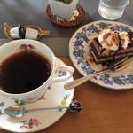 沙羅茶館 - 珈琲 600円 + ケーキ 400円