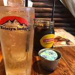 ホテイヤロッヂ - ジンジャーエールとアイスコーヒー