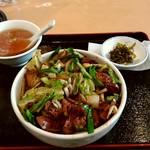 Shinkawataishoukenhanten - レバ野菜丼 750円