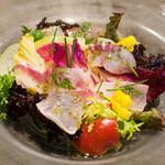 KINOE - 本日の鮮魚のカルパッチョはカンパチ、マハタ、シマアジでした。無農薬野菜も甘くていつも最高、ていうか全てが最高でした(≧∇≦)